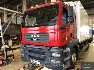 Грузовой-фургон MAN TGA 26.350 6X2-2 BL